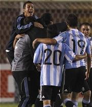 PERU 2 - ARGENTINA 4