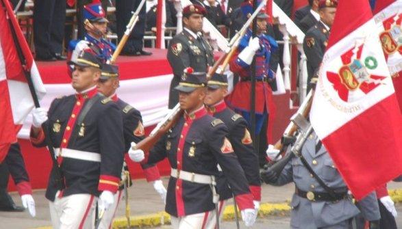 DESFILE Y GRAN PARADA MILITAR DEL PERÚ 2011 (13)
