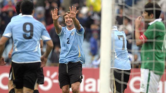 URUGUAY 4 - BOLIVIA 2