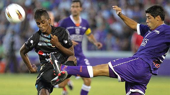 DEFENSOR SPORTING 2 - DEPORTIVO QUITO 0