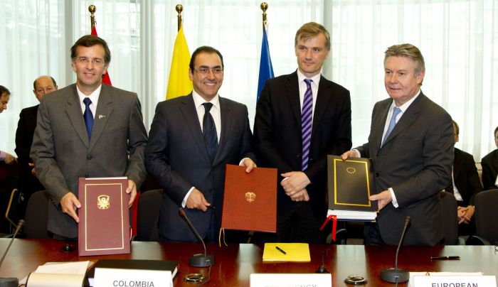 PERU FIRMA TLC CON LA UNION EUROPEA
