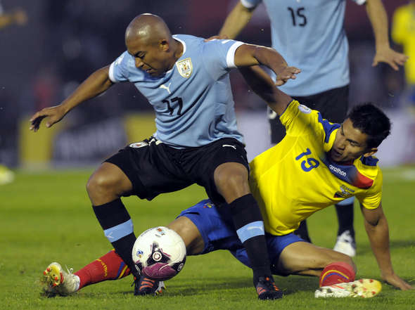 URUGUAY 1 - ECUADOR 1