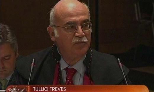TULIO TREVES EN LA HAYA