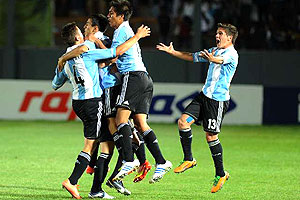 ARGENTINA 3 - COLOMBIA 2 SUB 17 2013