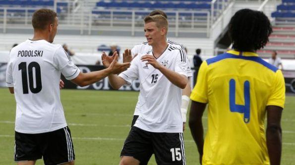 ECUADOR 2 - ALEMANIA 4