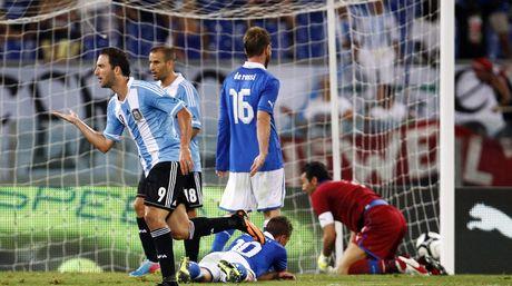 ITALIA 1 - ARGENTINA 2