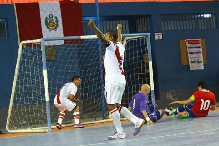 PERU GANA A CHILE 2013 FUTSAL