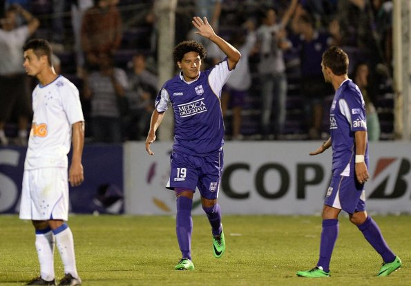 defensor sporting cruzeiro