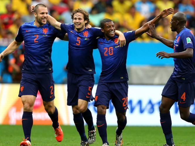 HOLANDA 3 - BRASIL 0