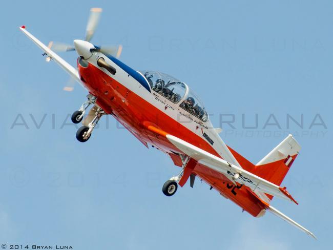 AVION KT-1P PERU