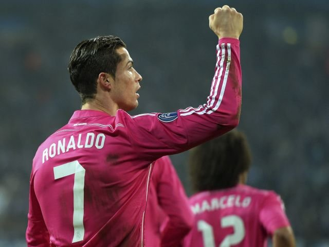 SCHALKE 0 - REAL MADRID 2