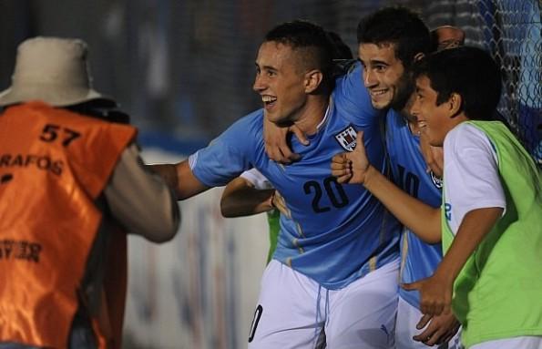 URUGUAY 2 - PARAGUAY 0