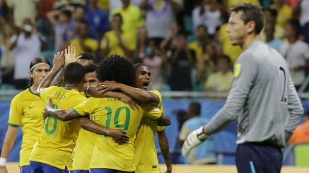 BRASIL 3 PERU 0 ELIMINATORIAS 2015