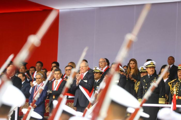 DESFILE MILITAR PERU 2017