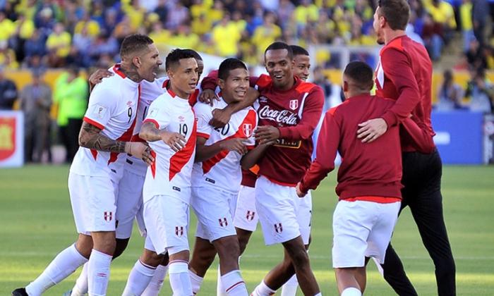 PERU VENCE A ECUADOR 2017
