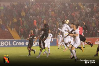 FBC MELGAR 2 - CARACAS FC 0 (11)