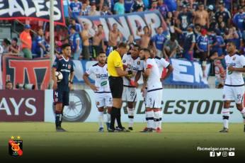 MELGAR ELIMINA A LA U DE CHILE EN SANTIAGO (20)