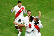 PERU GOLEA A CHILE Y CLASIFICA A LA FINAL (16)