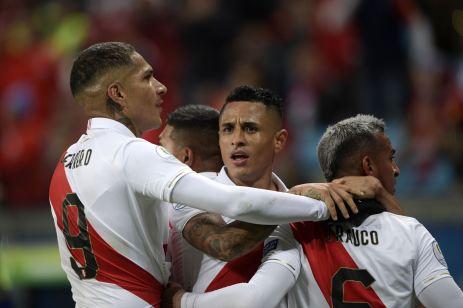 PERU GOLEA A CHILE Y CLASIFICA A LA FINAL (20)