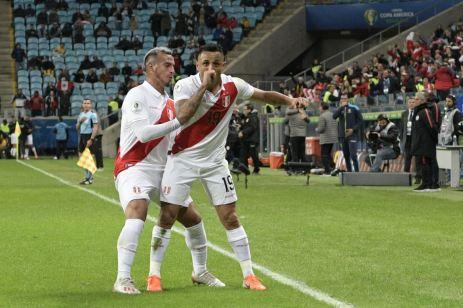 PERU GOLEA A CHILE Y CLASIFICA A LA FINAL (23)