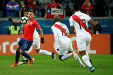 PERU GOLEA A CHILE Y CLASIFICA A LA FINAL (4)