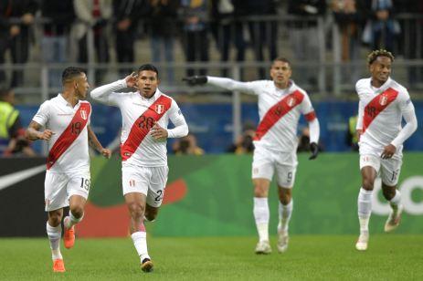PERU GOLEA A CHILE Y CLASIFICA A LA FINAL (9)